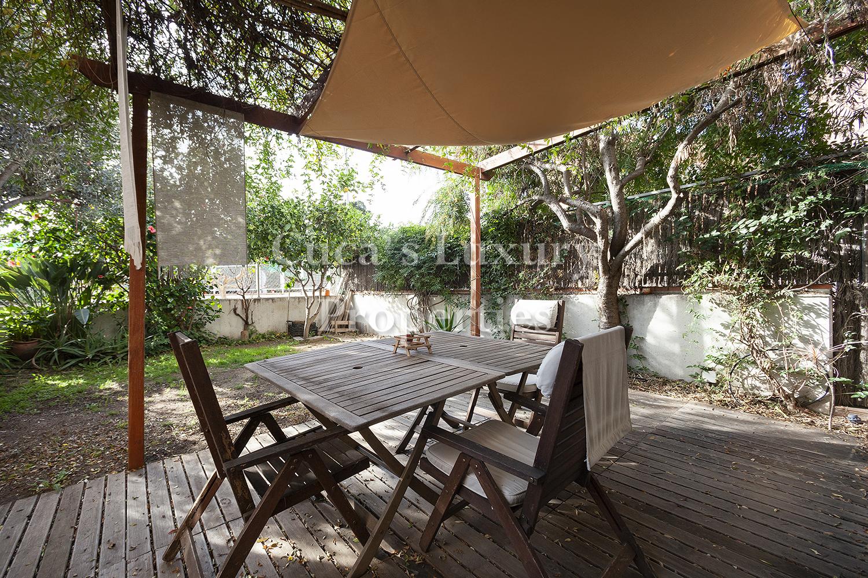 En Montgat, excepcional piso con jardín.