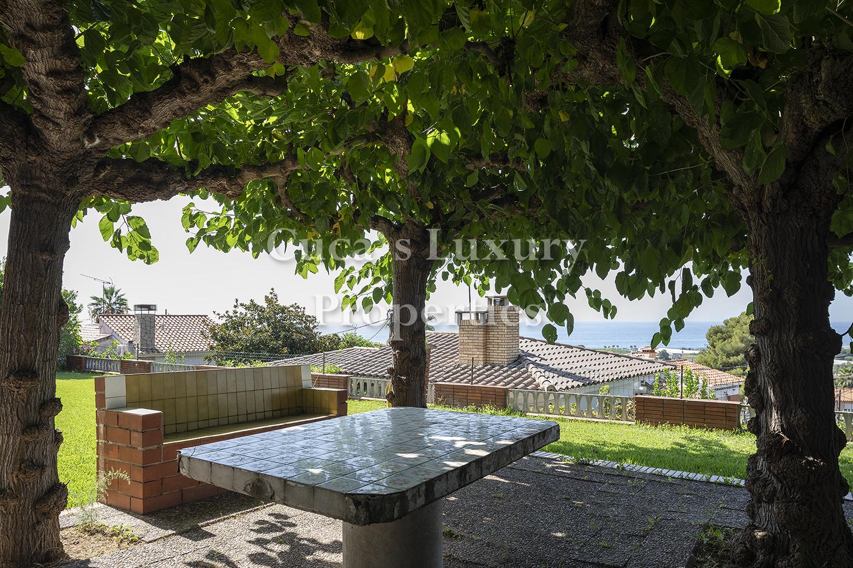 Santa Susana – Bonita casa con vistas al mar –