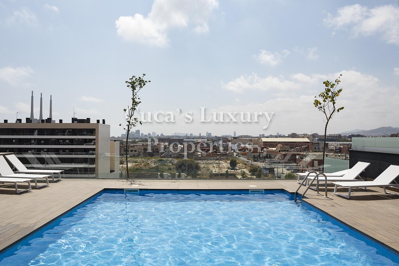 Extraordinario piso con terraza en el puerto de Badalona.