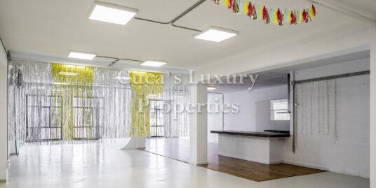 Despacho tipo loft en Barcelona pueblo nuevo zona 22@, villa olímpica, edificio industrial.